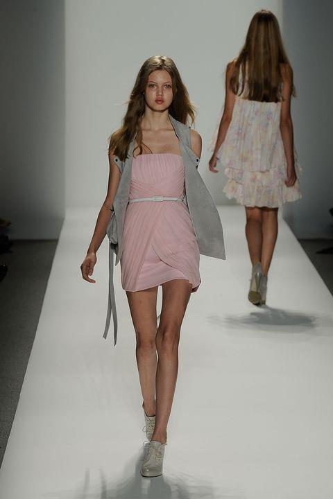 **LINDSEY WIXSON** <BR><BR> Cynthia Steffe spring '10