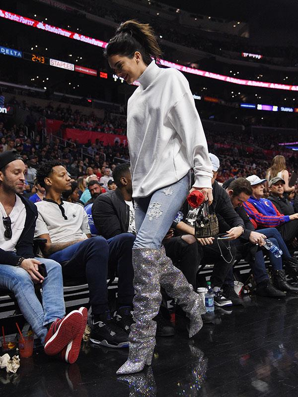 """Kendall Jenner wearing the new season $10,000 [Saint Laurent glitter](https://www.harpersbazaar.com.au/celebrity/kendall-jenner-22-birthday-outfit-14877