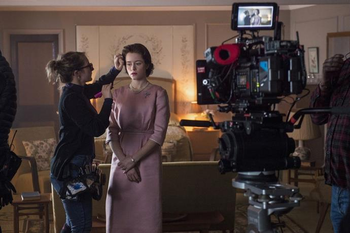 **Season 2** <br><br> Claire Foy behind the scenes