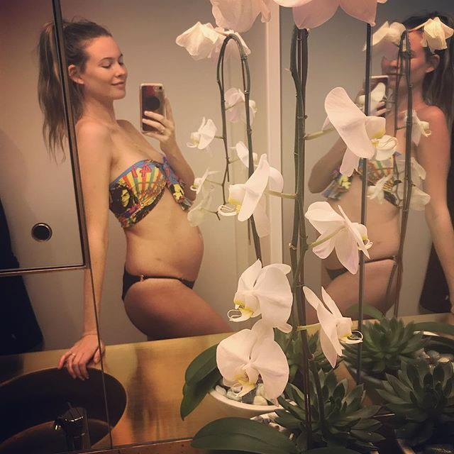 """**Behati Prinsloo:** Confirmed her [second pregnancy with Adam Levine](https://www.harpersbazaar.com.au/celebrity/behati-prinsloo-adam-levine-second-baby-14326