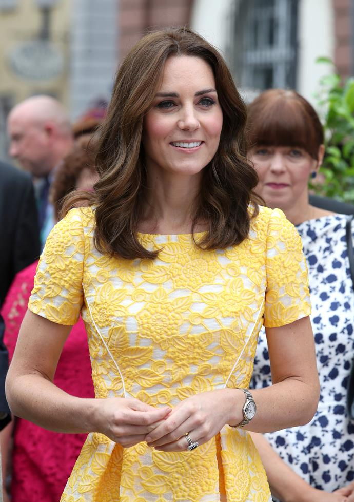 ***THOU SHALT SWITCH IT UP***<Br><br> When it comes to her hair, Catherine never keeps it the same way for long. Over the past several years in the spotlight, Duchess Catherine has gone from long waves, to shoulder-grazing curls, to a fringe, and a deep side part. The constant switching-up means she always has a fresh look.