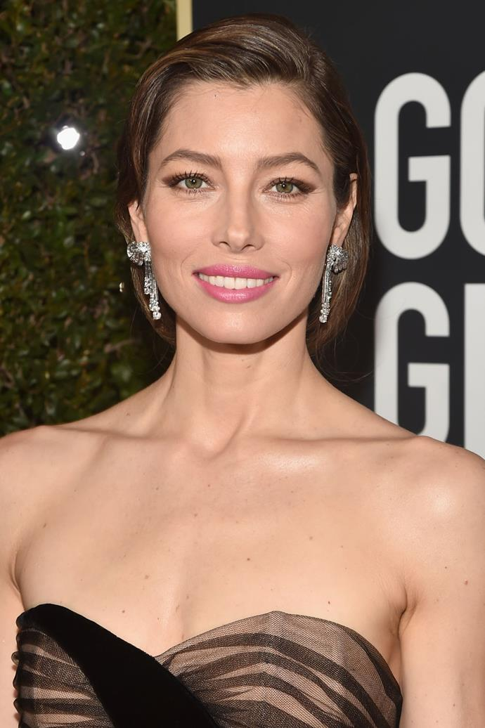 **Jessica Biel** <br><br> *The Sinner* actress definitely brought her all when it came to her red carpet beauty look, sporting a brown-coloured winger eye, a bright pink lip and an old Hollywood-inspired updo.