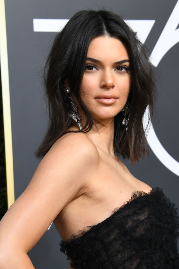**Kendall Jenner** <br><br> The supermodel and reality star did her beauty-obssessed family proud on this year's red carpet by opting for blonzed skin and a bold brow.