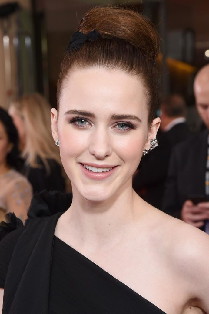 **Rachel Brosnahan** <br><br> *The Marvelous Mrs. Maisel* actress opted for a neat ballerina bun, subtle smokey eye and glowy skin.