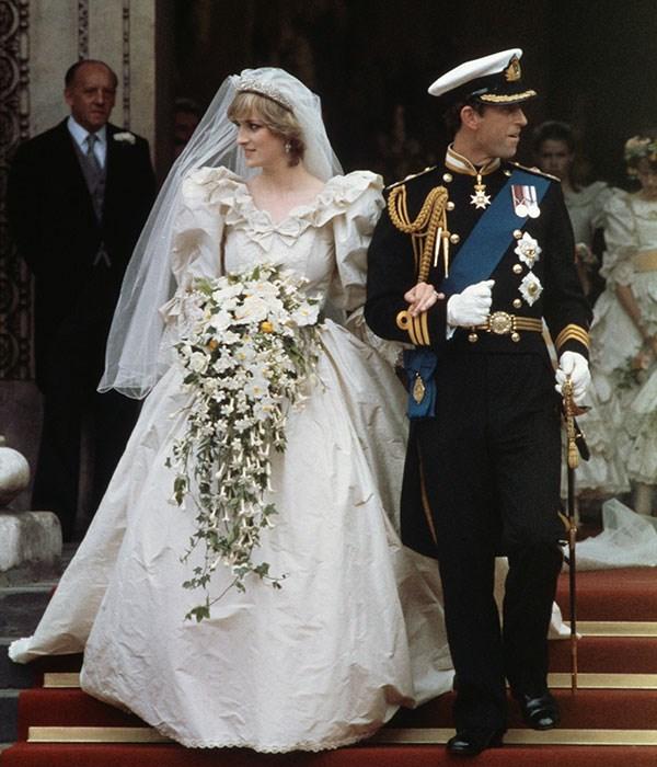 "**Princess Diana, 1981**  Married: Prince Charles  Designer: Elizabeth and David Emmanuel  Estimated Cost: [$198,000](https://www.harpersbazaar.com.au/fashion/most-extravagant-wedding-dresses-13537|target=""_blank"")"