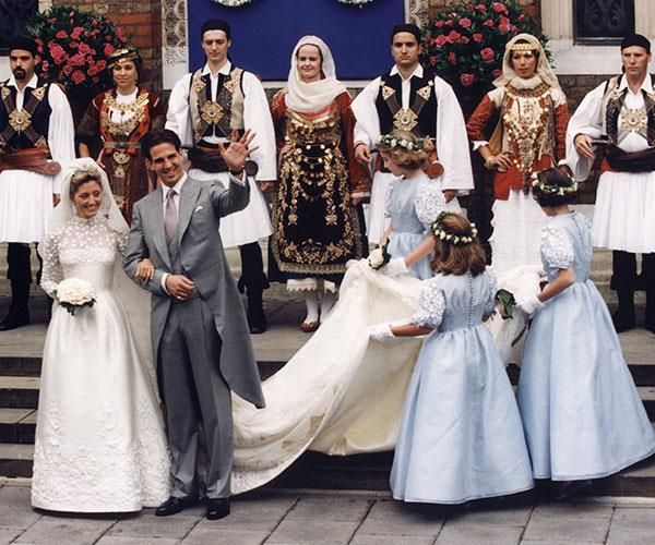 "**Marie-Chantal Miller, 1995**  Married: Prince Pavlos of Greece  Designer: Valentino  Estimated Cost: [$515,270](https://www.msn.com/en-us/entertainment/celebrity/the-greatest-royal-wedding-dresses/ss-BBCFTIB#image=8|target=""_blank""