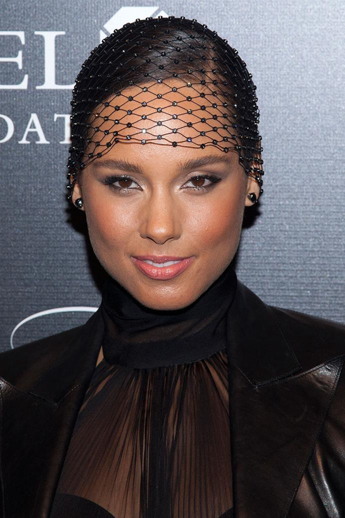 """**Alicia Keys** <br><br> Alicia Keys is another self-professed beauty junkie. The singer once said in [an interview](https://www.vogue.com/article/alicia-keys-beauty-routine-hair-makeup-perfume-black-ball-keep-a-child-alive