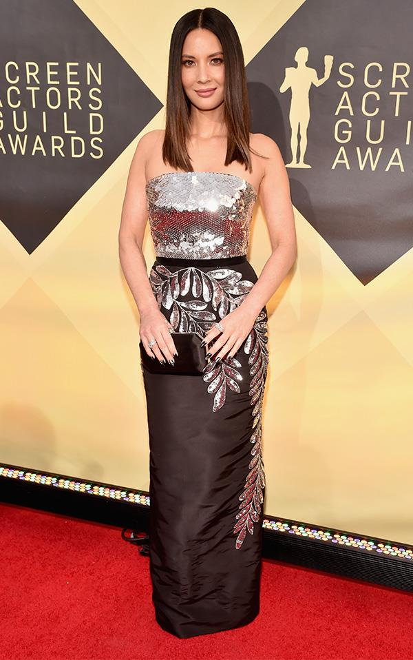 Olivia Munn In Oscar de la Renta