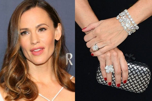 **Jennifer Garner** <br><br> Ben Affleck gave Jennifer Garner a classic and stunning diamond solitaire ring for the birth of their first daughter, Violet. Although there is not much information of the ring available, there is a great story behind the ring. On live television, Garner admitted that she had dropped the ring down the drain and never told Ben. Luckily, the ring has since been recovered by a plumber who had to take apart the plumbing to retrieve the rock.