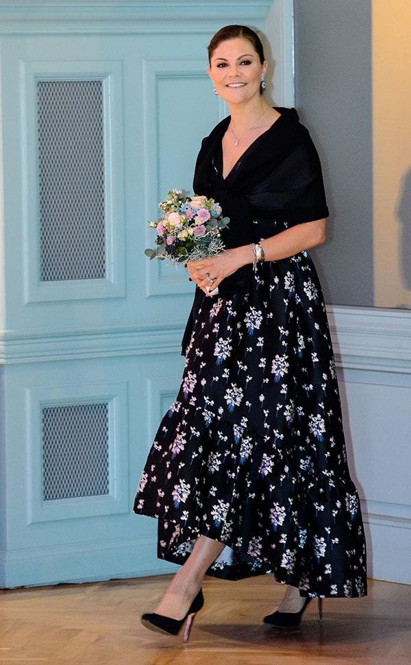 Wearing Erdem x H&M at the Swedish Business Prize in Leipzig on November 23, 2017.