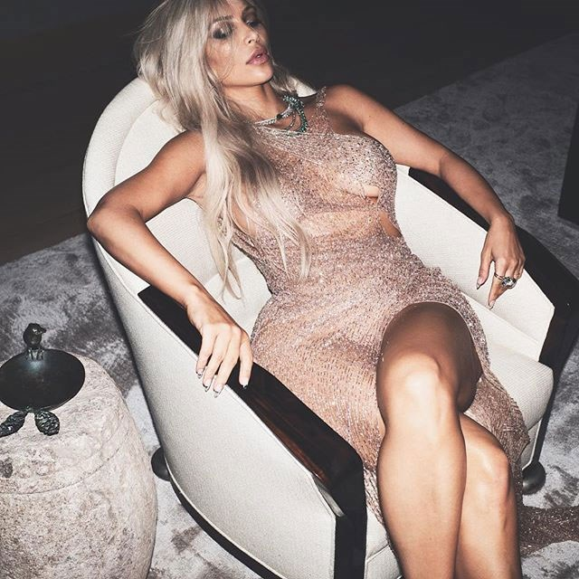 "Image via: [@kimkardashian](https://www.instagram.com/kimkardashian/?hl=en target=""_blank"" rel=""nofollow"")"