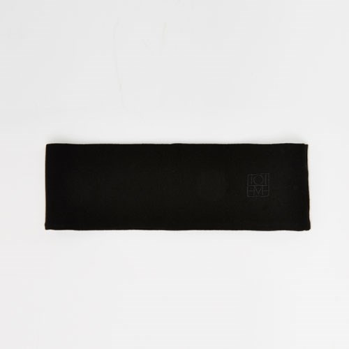 "Totem Yours Knitted Hairband, $120 at [My Chameleon](https://www.mychameleon.com.au/new-arrivals/accessories/yours-knitted-heandband-black-toteme|target=""_blank"")."