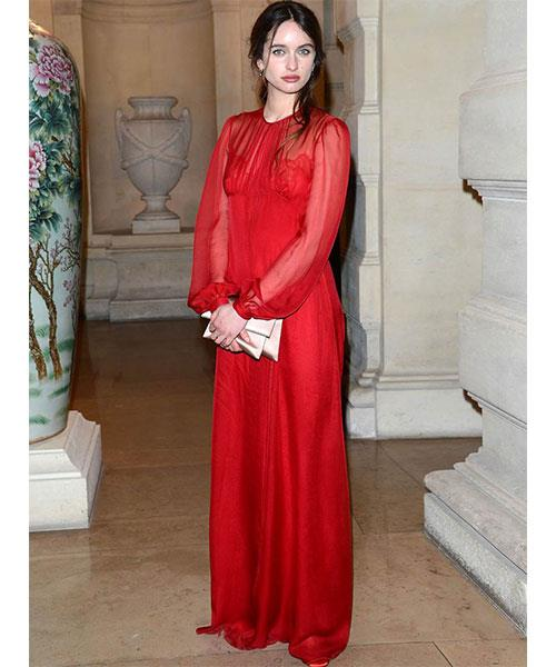 <strong>THE RED EVENING DRESS</strong> <br>The French might not be known for wearing colour, but when they do, it always makes a statement. <br><em>Clara Ponsot</em>