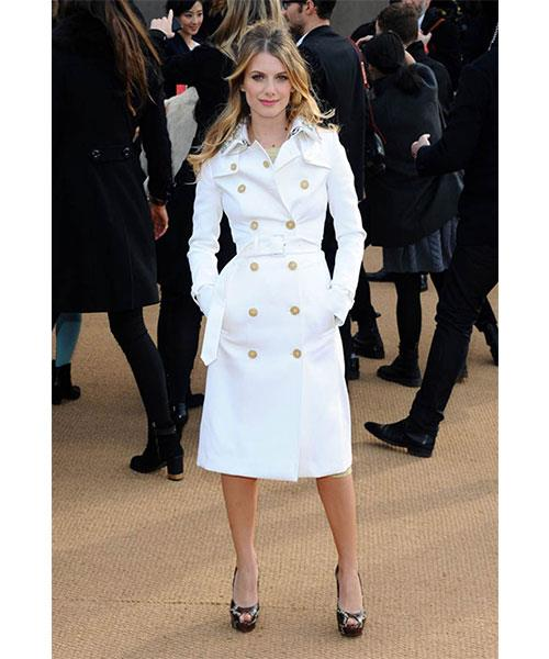 <strong>A CLASSIC TRENCH</strong> <br>This verstalie piece looks just as good worn buttoned up and alone as it does casually slung over an off-duty outfit. <br><em>Melanie Laurent</em>