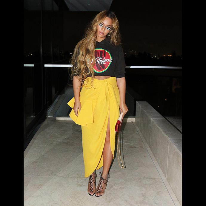 Beyoncé in a Jacquemus Skirt whilst attending the basketball in February 2018.