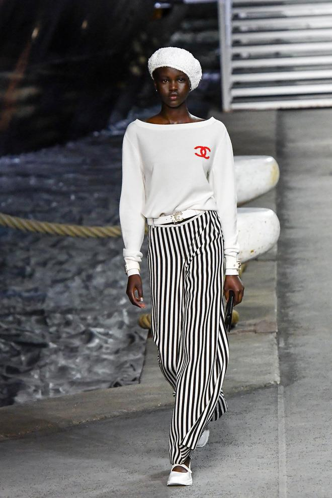 **Australian model Adut Akech at Chanel Cruise '19.**