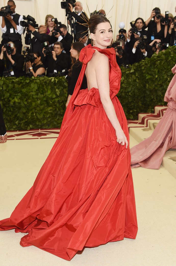 Anne Hathaway in Valentino Couture