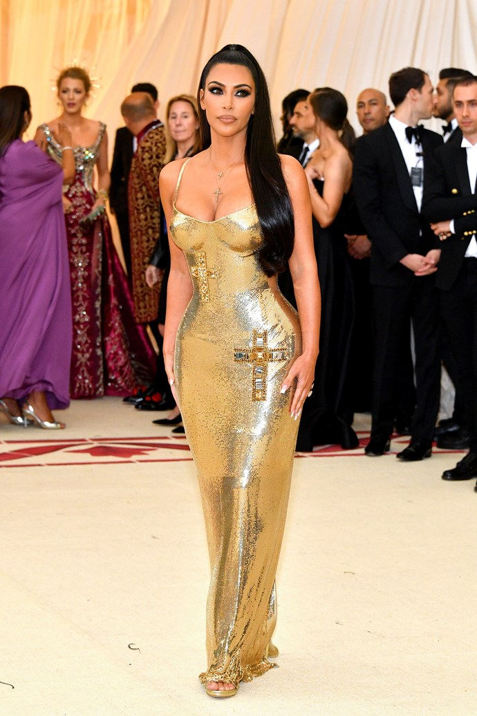 "[Kim Kardashian](https://www.harpersbazaar.com.au/fashion/met-gala-red-carpet-2019-18596|target=""_blank"") in Versace"