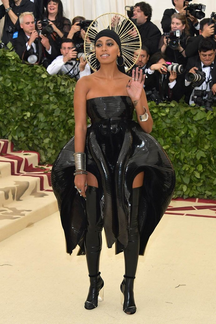 """**Solange in Iris Van Herpen**<br><br>  """"I like the extra-terrestrial costume element – just a few steps away from being drafted into the next *Alien* film."""" - Christopher Xi, fashion and beauty assistant"""
