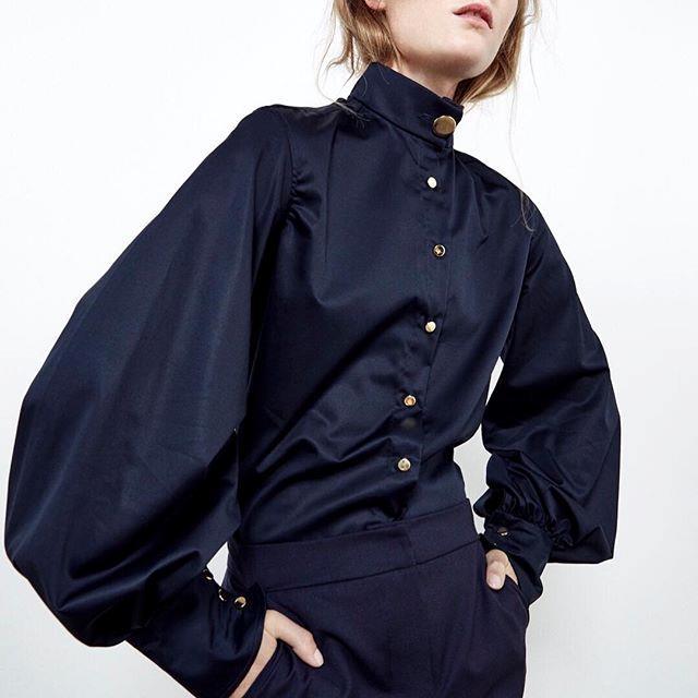 "**Anna Quan** <br><br> ""I've enjoyed watching Anna Quan grow from a St George Next Gen designer three years ago to an on schedule show."" - *Lisa Aiken, retail fashion director at [Net-a-Porter](https://www.net-a-porter.com/au/en/|target=""_blank""|rel=""nofollow"")*"