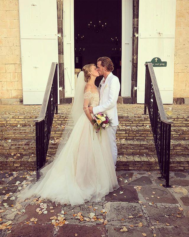 "**The bride and groom** <br><br> Instagram: [@nickyhilton](https://www.instagram.com/p/BjlIfP6FvVV/?taken-by=nickyhilton target=""_blank"" rel=""nofollow"")"