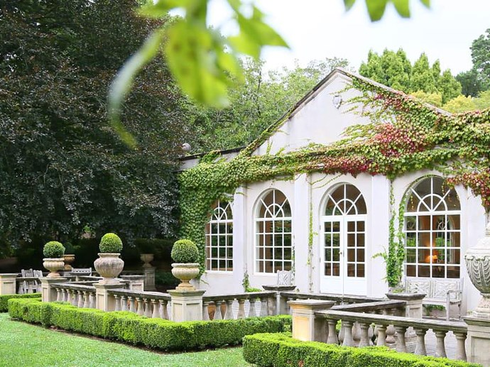 """**Bowral**   Just a two hour drive from Sydney's CBD, Bowral's [Milton Park Country House](https://www.booking.com/hotel/au/milton-park-country-house-amp-spa.en-gb.html?aid=311984;label=milton-park-country-house-amp-spa-XUeW0qhwnqaQfeElWZgC5gS266346211100%3Apl%3Ata%3Ap1%3Ap21%2C113%2C000%3Aac%3Aap1t2%3Aneg%3Afi%3Atiaud-146342138710%3Akwd-39634485003%3Alp9071059%3Ali%3Adec%3Adm;sid=cb8496a253f604d6536037224bcbf632;checkin=2018-08-10;checkout=2018-08-13;ucfs=1;srpvid=354817b18b790103;srepoch=1528428131;highlighted_blocks=43647908_102093893_0_0_0;all_sr_blocks=43647908_102093893_0_0_0;bshb=2;room1=A%2CA;hpos=1;hapos=1;dest_type=city;dest_id=-1561181;is_swapped_image=1;srfid=31e2b8d805587b589ad79acabb9ededf975262a8X1;from=searchresults;highlight_room=#hotelTmpl