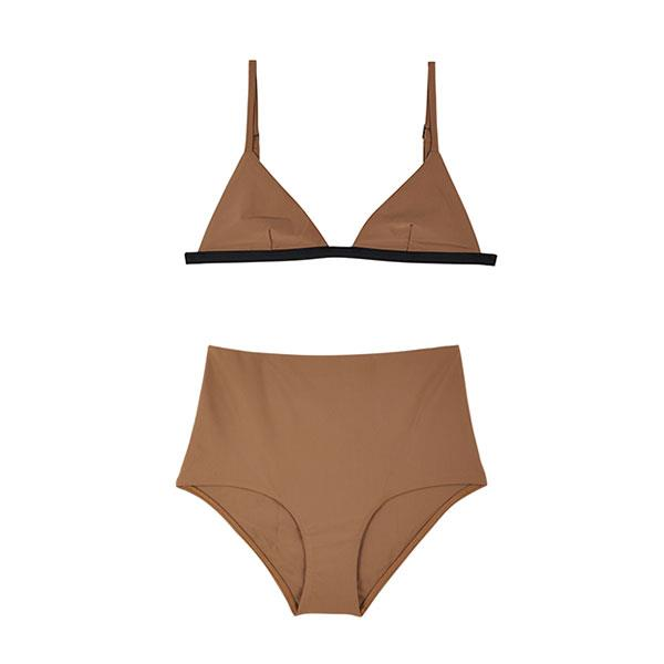 """Matteau's minimalist swimwear designs have become synonymous with stylish days spent on the beach. Their new 'almond' hue is fresh addition to your existing collection. <br><br> [Bikini top](https://www.mychameleon.com.au/designer/matteau-swim/petite-triangle-bikini-top-almond-black-matteau-swim