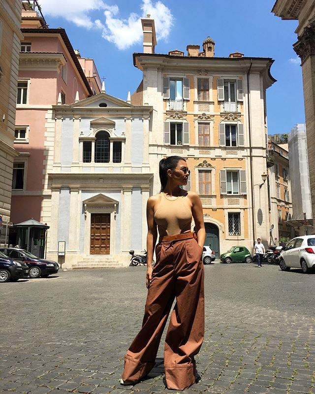 "In a khaki top and camel trousers in Rome.  <br><br> *Image: [@kourtneykardash](https://www.instagram.com/p/BkQZ0uCjrfS/?taken-by=kourtneykardash|target=""_blank"")*"