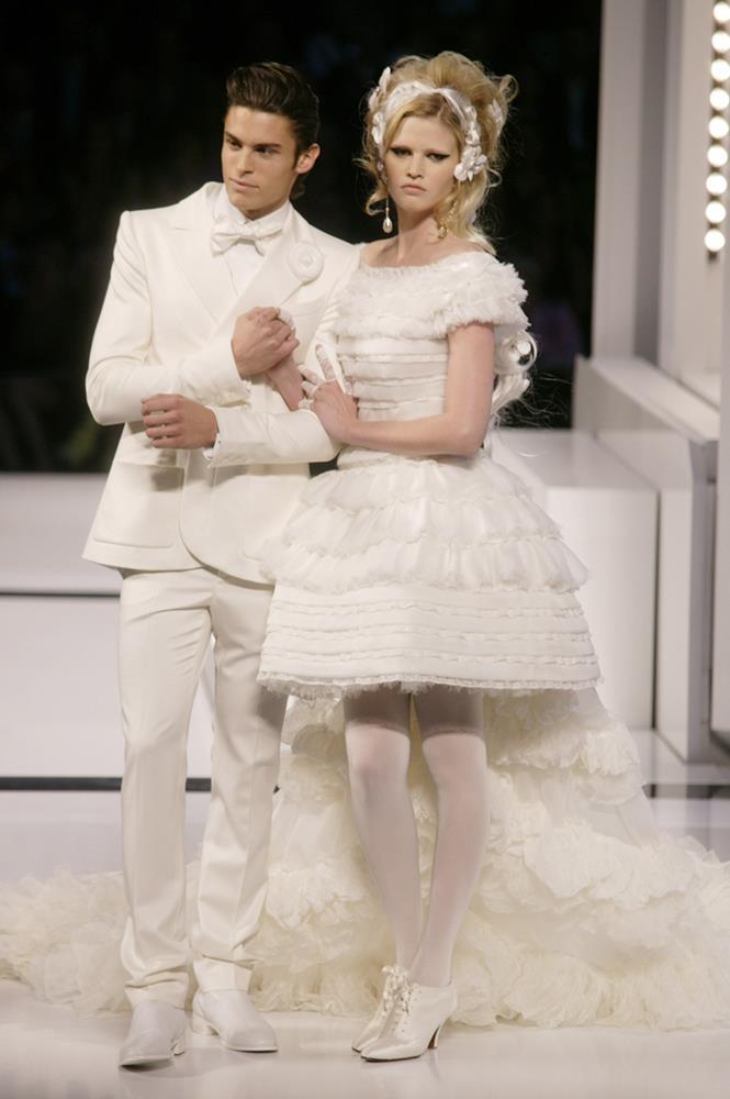 Chanel Haute Couture autumn/winter 2009.
