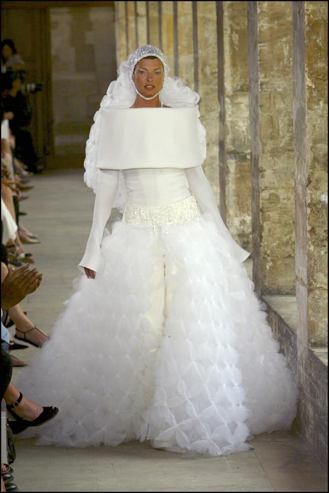 Chanel Haute Couture autumn/winter 2003/04.