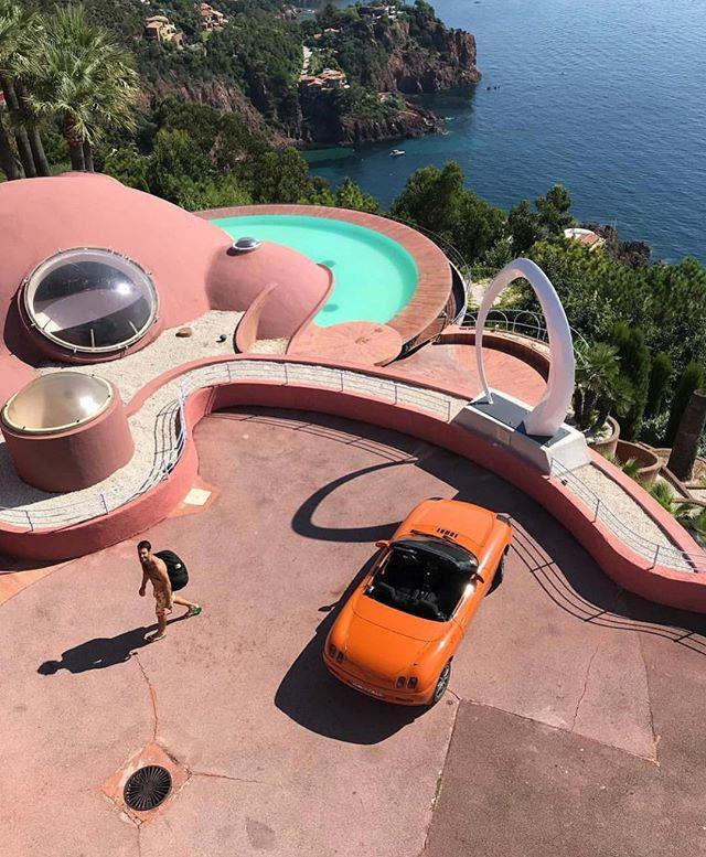 "The Bubble Palace is located on a clifftop close to the city of [Cannes](https://www.harpersbazaar.com.au/celebrity/cannes-film-festival-photos-12917|target=""_blank"") on the French Riviera, and is currently owned by French fashion designer Pierre Cardin.  <br><br> *Image: [Instagram](https://www.instagram.com/p/BltViPZldni/?taken-by=jacquemus