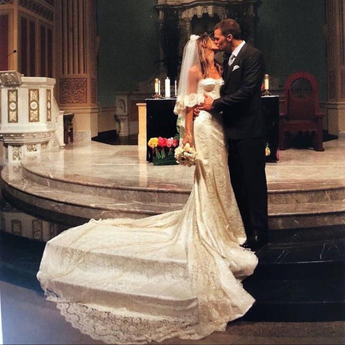 [Gisele Bündchen wore Dolce & Gabbana to marry Tom Brady](https://www.harpersbazaar.com.au/celebrity/tom-brady-gisele-bundchen-anniversary-15863) in 2009.