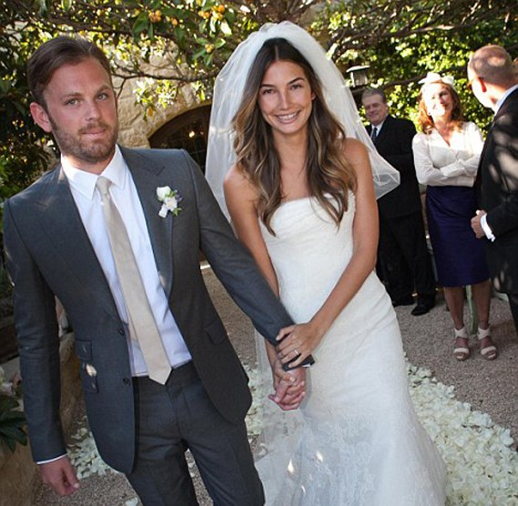 Lily Aldridge wore Vera Wang to marry Caleb Followill in 2011.