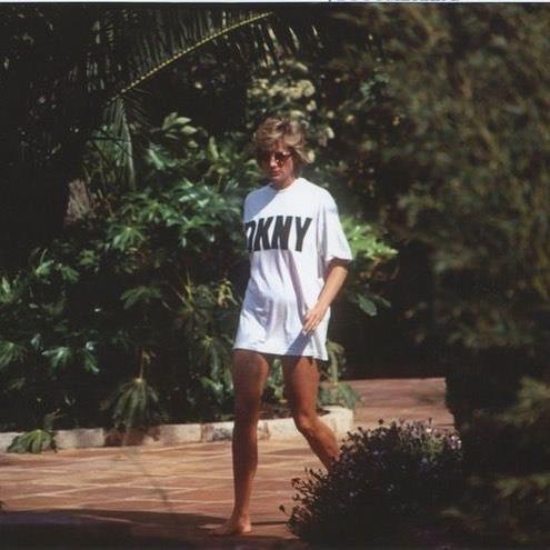 """The DKNY revenge look"" <br><br> *Image: [@ladydirevengelooks](https://www.instagram.com/p/BlwNg0Unjk4/?taken-by=ladydirevengelooks|target=""_blank"")*"