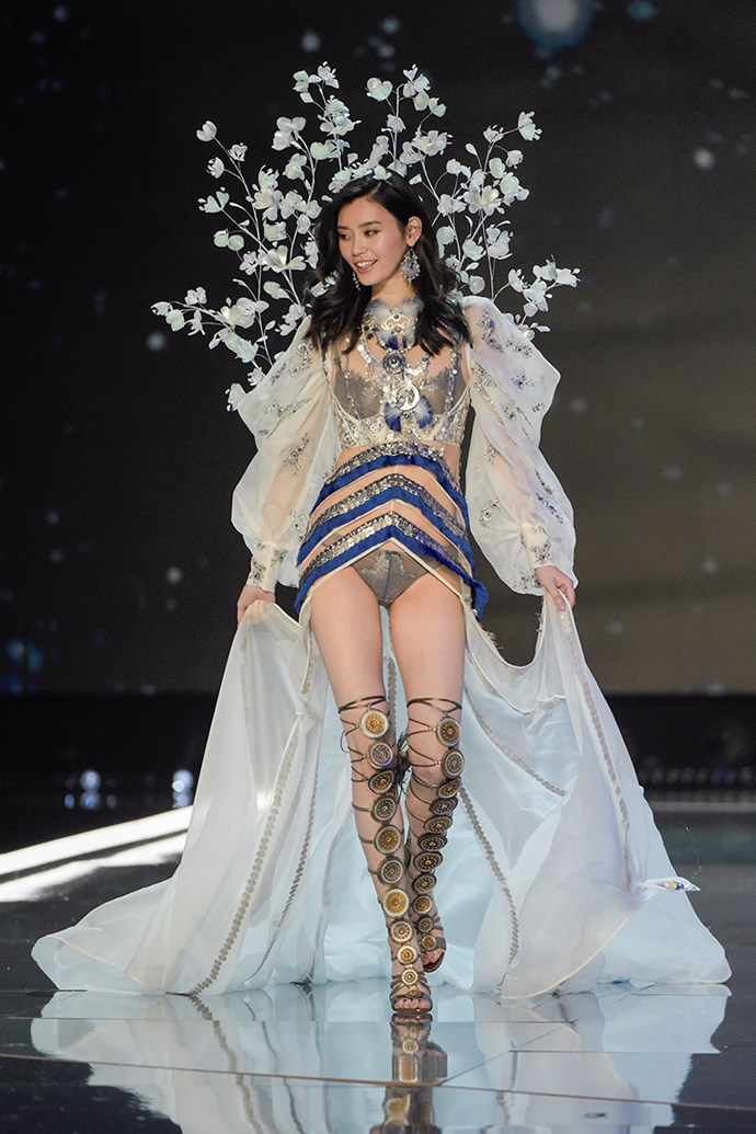 "***Ming Xi*** <br> Ming Xi became topical for all the wrong reasons last year, after VS showed the Chinese supermodel [taking a tumble](https://www.harpersbazaar.com.au/fashion/victorias-secret-fashion-show-2017-ming-xi-fall-15052|target=""_blank"") on the 2017 runway. She's yet to confirm her return, but the Fantasy Bra would make for an iconic and heartwarming Ming Xi comeback. Also, she'd be the first woman of Asian descent to don the Fantasy Bra."