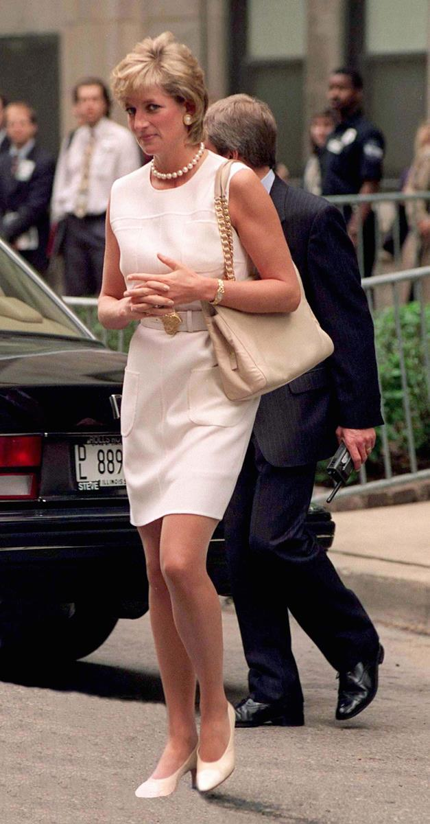 Arriving at The North Western Memorial Hospital in Chicago on June 6, 1996