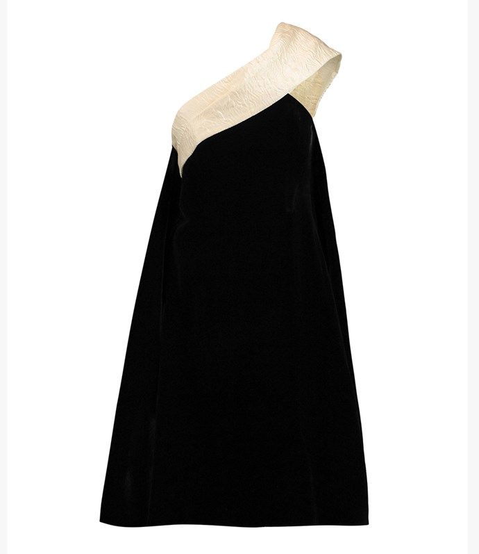 "Erdem dress, approx. $2,478.15 at [YOOX](https://www.yoox.com/au/34877389WP/item#dept=clothingwomenna&sts=sr_clothingwomenna80&cod10=34877389WP&sizeId=4&sizeName=10&tp=171240&utm_campaign=SpringRacing_HBOct18&utm_source=HarpersBazaar_AU&utm_medium=vertical&utm_content=SpringRacing_HBOct18|target=""_blank""|rel=""nofollow"")"
