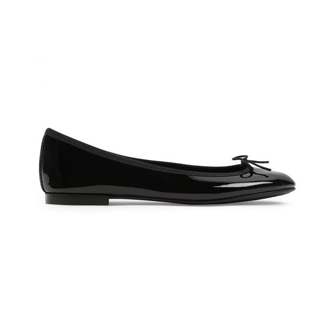 "**REPETTO BALLET FLATS** <br><br> Repetto Cendrillon Ballet Flats, $313 at [Repetto](https://www.repetto.com/en/cendrillon-ballerina-patent-leather-black-v086v-410.html |target=""_blank""|rel=""nofollow"")"