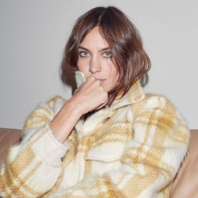 "**6. ALEXA CHUNG ([@alexachung](https://www.instagram.com/alexachung/?hl=en|target=""_blank""))** <br><br> ***Occupation:*** British fashion blogger, model and author"