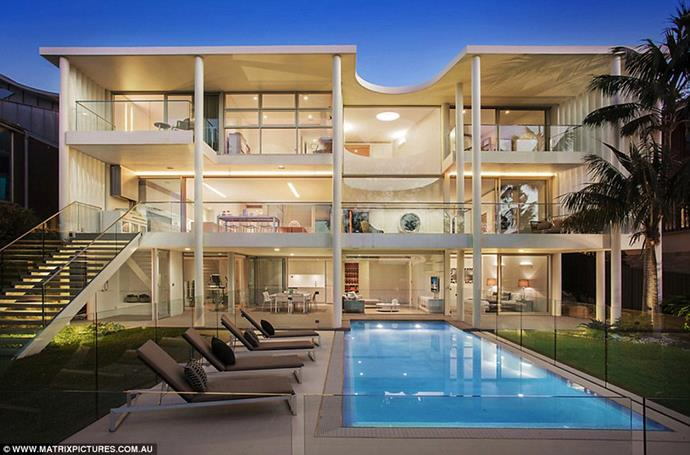 """The house viewed from behind <br><br> *Image: [Matrix Pictures/Daily Mail](https://www.dailymail.co.uk/tvshowbiz/article-6316229/Inside-Beckhams-17million-Sydney-Airbnb-mansion.html