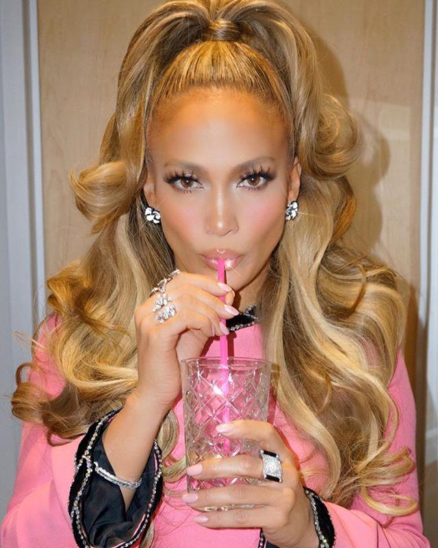 """***Diet*** <br> As a performer, J-Lo consumes nourishing foods that sustain her health-wise, as well as benefiting her skin and physique. Speaking to [*Hello!*](https://www.hellomagazine.com/healthandbeauty/health-and-fitness/2016062732123/jennifer-lopez-reveals-the-details-of-her-health-and-fitness-routine/