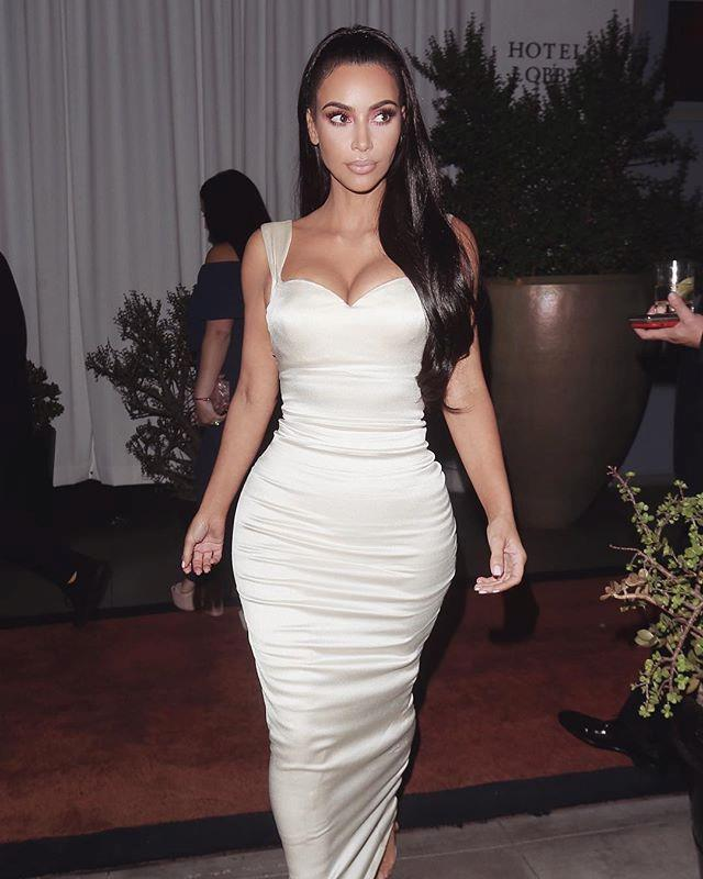 "***Diet*** <br> Kim's trainer Melissa Alcantara has said she came over to Kardashian West house and purged her pantry of anything unhealthy or unnecessarily processed. Some of these products included ""vanilla wafers, graham crackers and rice crispy treats"", according to [*E! Australia*](https://www.eonline.com/au/shows/kardashians/news/891884/inside-kim-kardashian-s-crazy-strict-diet-and-fitness-plan-with-celeb-trainer-melissa-alcantara