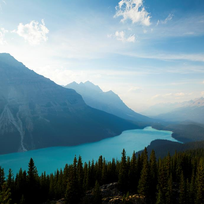 <strong>Canada</strong> <br><br> <strong>Best time to go:</strong> High season in Canada is from June to August. If your purpose is to be at the snow, book for December to March.