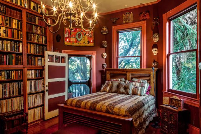 """<strong><a href=""""https://www.airbnb.com.au/rooms/914617"""">Parks-Bowman Mansion: The Library</a></strong> <br> <br> Where: New Orleans, LA, United States <br> <br> Sleeps: 2 <br> <br> Price: From $161 per night"""