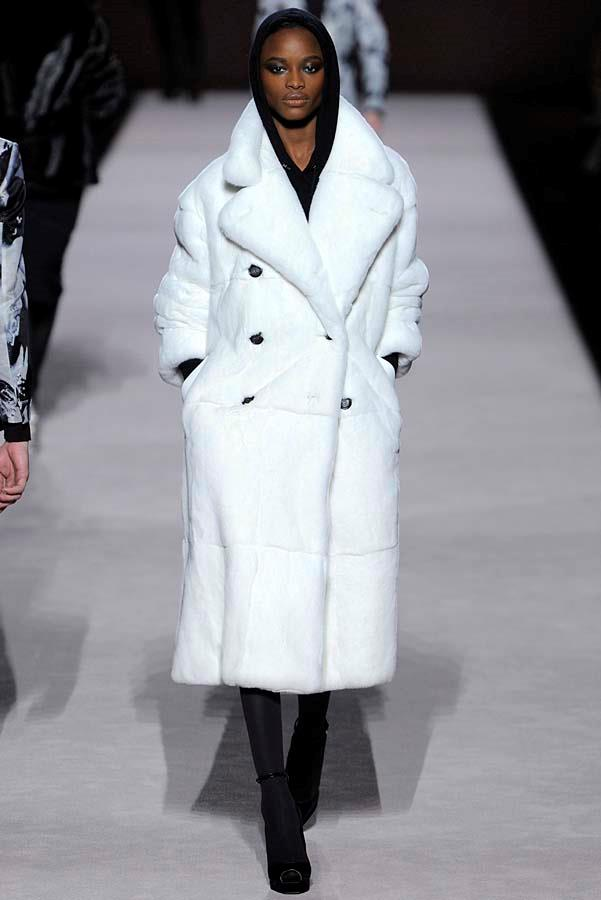 ***Thy Coat Shalt Be Supersized***<br><br> Gone are the days of the sleek duster or the dainty trench, this winter coats must be at full capacity. Think Tom Ford's ultra-luxe teddy, Eckhaus Latta's vintage-esque iteration, or Ulla Johnson's padded corduroy. Subtlety need not apply.<br><br> Pictured: Tom Ford autumn/winter '19.