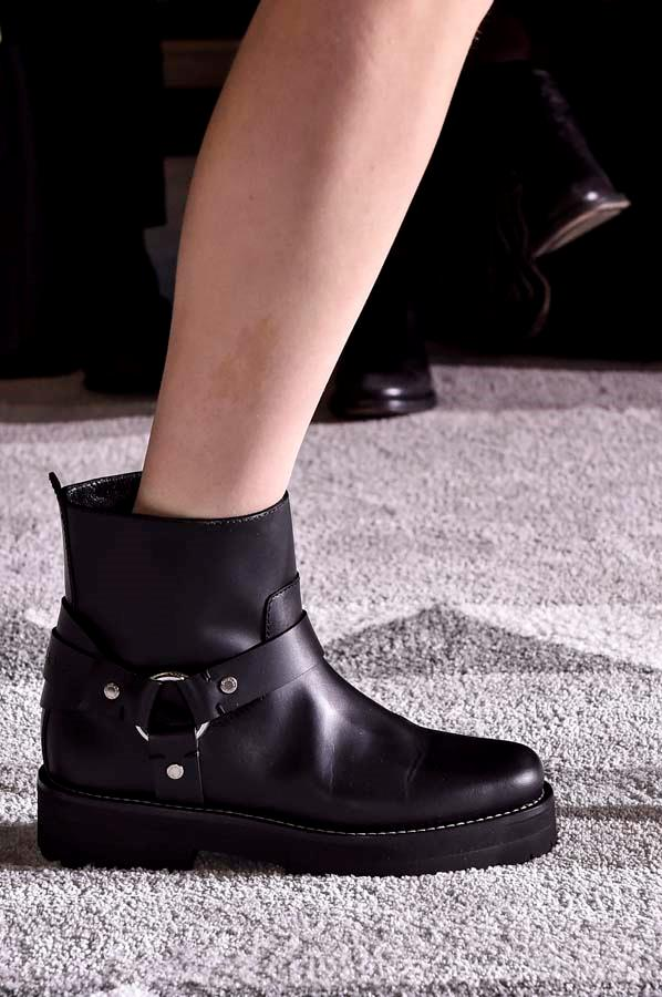***Thy Shalt Pick A Strong Boot***<br><br> Flat or heeled, a utilitarian boot is the chicest way to stomp into winter. Buckled down, laced up and made for your trudge through puddles to the train stop, a good pair will toughen up any look. <br><br> Pictured: Longchamp autumn/winter '19.