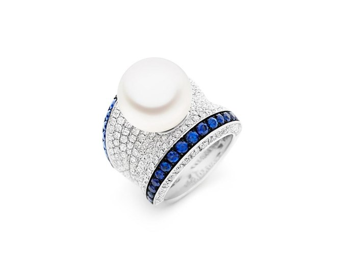"""**The Vibe: Subtle Sapphires** <br><br> Blue adored ring, $28,995 at [Kailis](https://www.kailisjewellery.com.au/blue-adored-ring.html