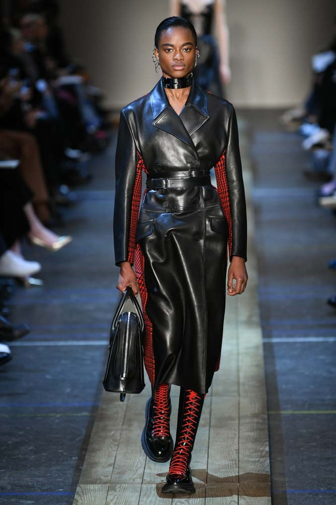 ***The New Trench***<br><bR> From quilting to patterns and a touch of leather, the trench is getting a facelift for 2019.<br><br> Burberry autumn/winter '19.