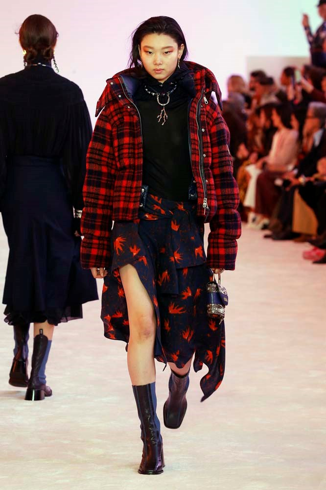 ***Quilted jackets***<br><br> Just in case you had any doubts that the puffa was here to stay. Fashion month even amped it up another level, adding prints into the mix.<br><Br> Chloé autumn/winter '19.