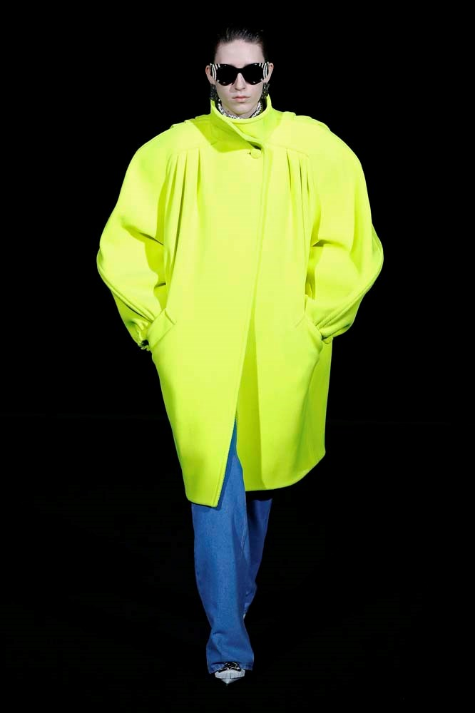 ***Neon***<br><br> Brighten things up with a touch of yellow, orange or pink neon, which was splashed all over the runways.<br><br> Balenciaga autumn/winter '19.